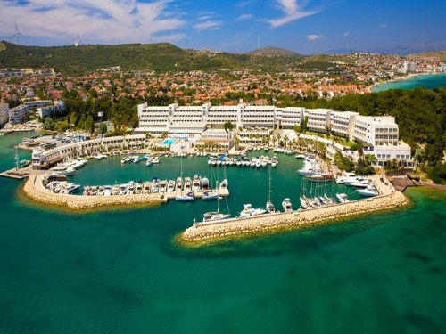 Altın Yunus Resort & Thermal Hotel
